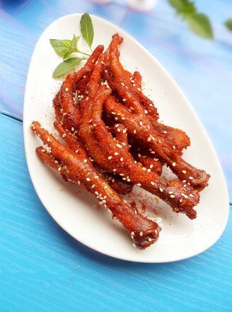 The spicy roasted chicken feet