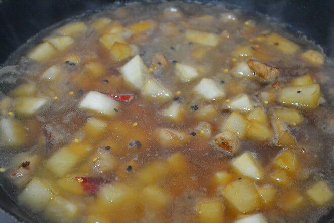 Add seasonings such as cooking wine