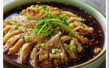 Cold dish saliva chicken.