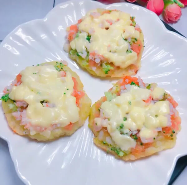 A delicious milk-flavored seasonal vegetable pizza is ready
