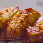 chicken wings with pesto and tomato sauce