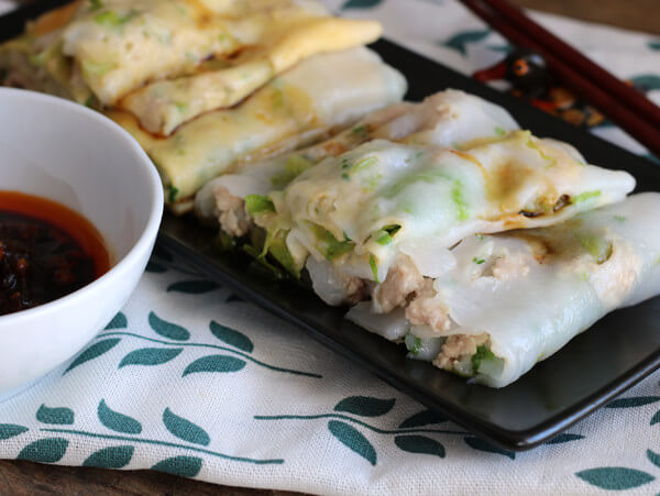 The steamed vermicelli rollare ready to eat