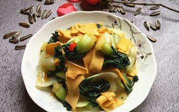 Stir-fried Dried Tofu Cream Cabbage