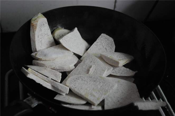 Pour the taro slices